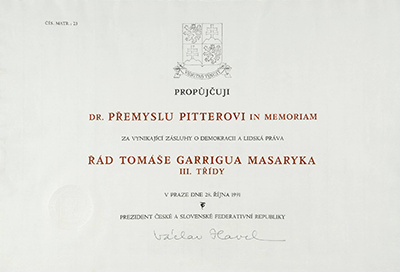 The decree to bestow The Order of Tomáš Garrigue Masaryk to P. Pitter, in 1991.