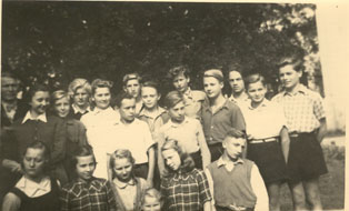 German children in Kamenice, in 1946.