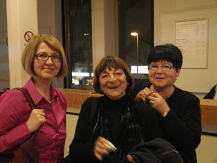Greta Klingsberg in the middle, in 2013.
