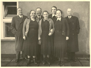 Child-care workers at the terrace of the Prague Milíč House, from the left P. Pitter, A.Rottová, J. Rott, O. Fierzová, M. Horáková, A. Pohorská, F. Krch.